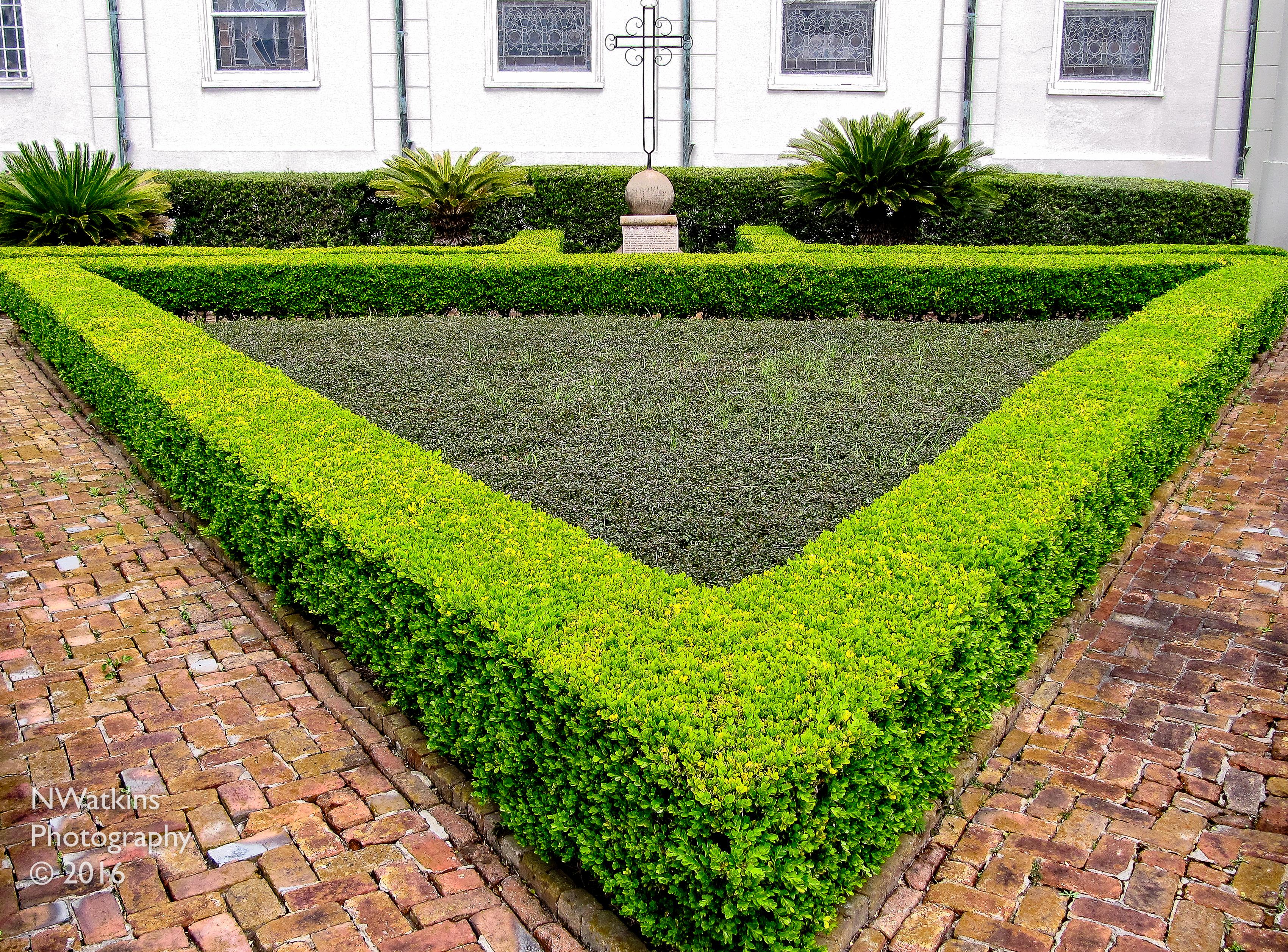 triangular garden cw