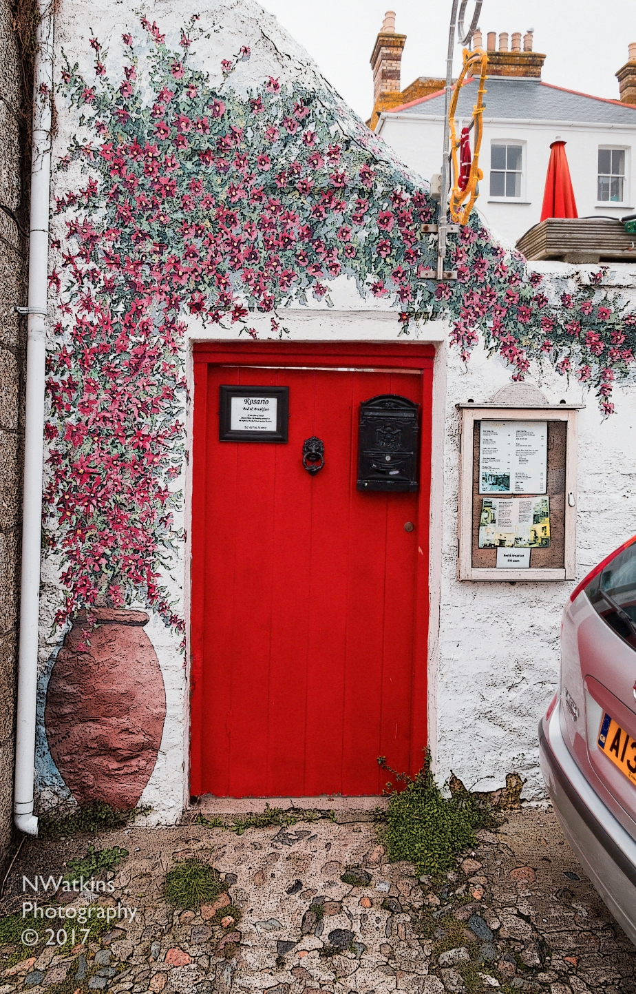red-floral-door-cw