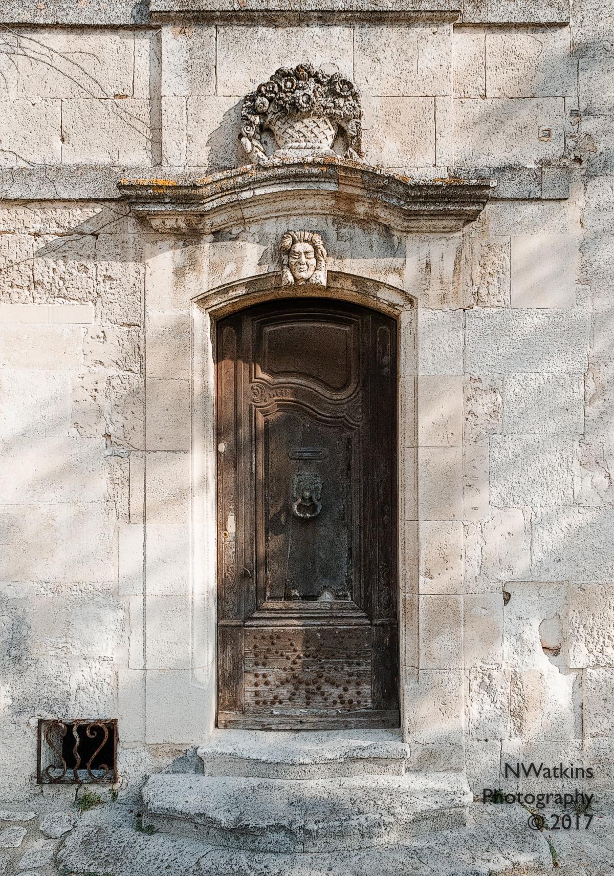 d4-baux-de-provence-door-cw