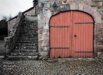 double door in archway cw
