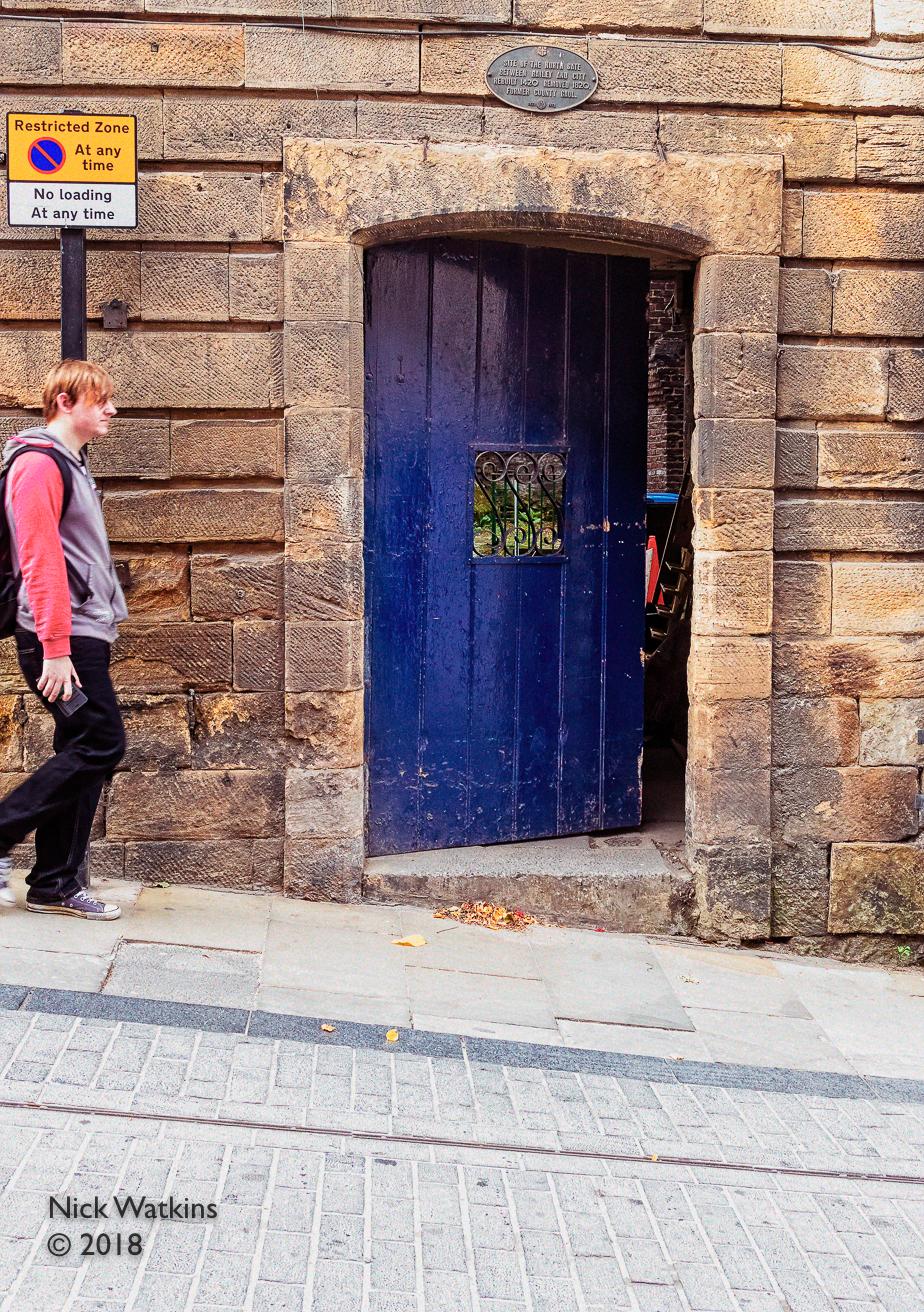 d33-blue door cw